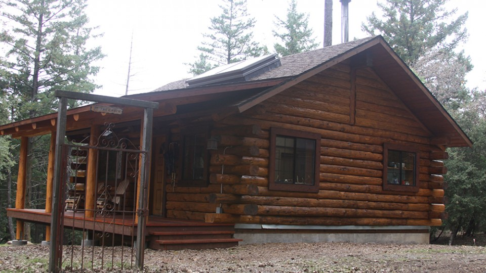 photo of log home rot repair finished